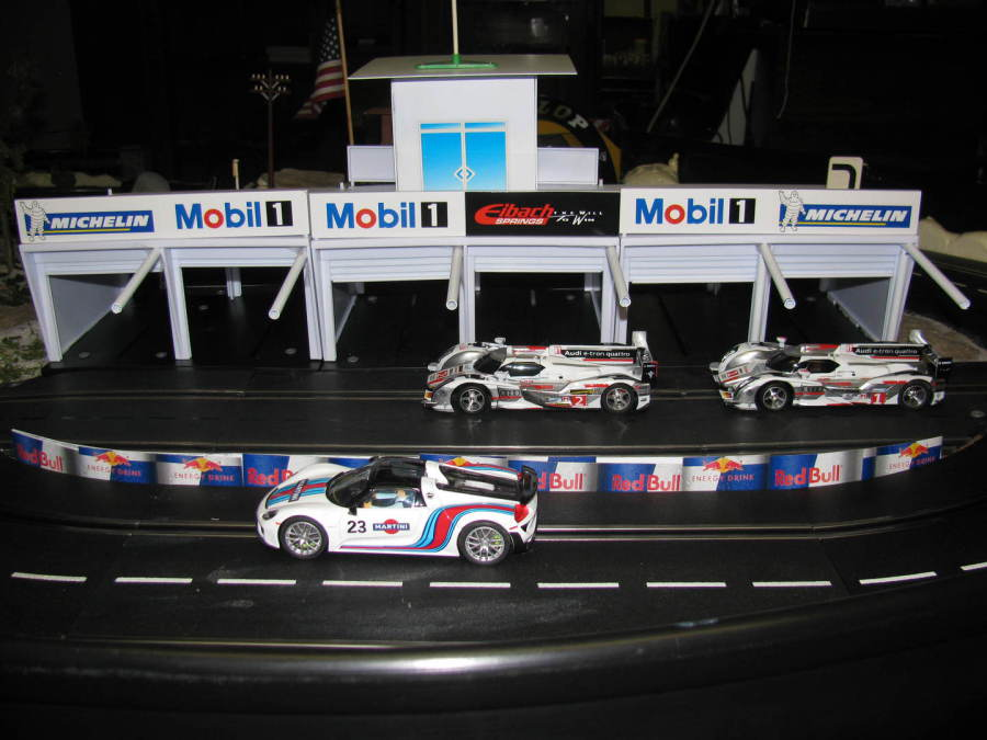 mth-buttons-trains-pins - Slot Cars - Track Buildings